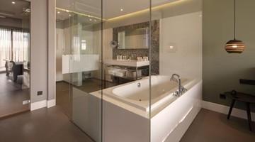 Luxe Badkamer Hotel : Deluxe hotelkamers van der valk hotel sassenheim leiden