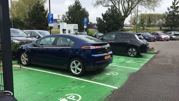 Oplaadpaal Elektrische Auto S Van Der Valk Hotel Sassenheim Leiden